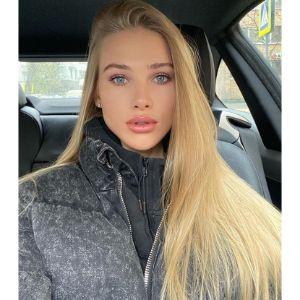 Women in Russia online